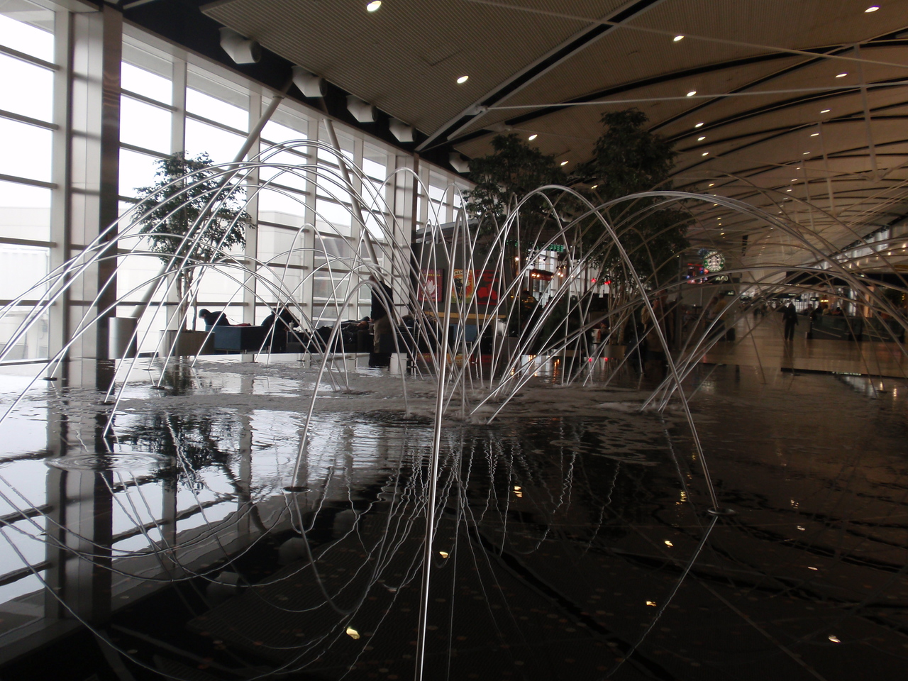 Detroit airport - fountain