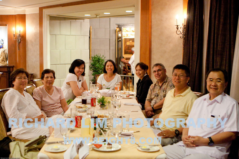 """Late lunch at Casino Espanol de Cebu with the Chuas. Left to Right : Dona Cherie Chua, Mary Ann Lim(Pin), Christine """"Bambi"""" Chua, Mary Jane Gregory, Tessie Javier (Jane's Best friend from High School), Charlie Gregory, Richard Lim and Don Gene Chua."""