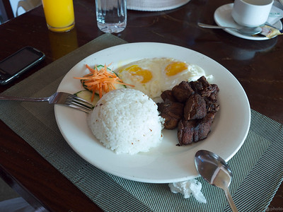 filipino breakfast with tocino