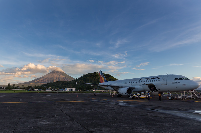 mayon volcano Philippines airlines