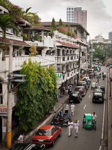 A street in the college-part of Intramuros. One of the Philippines most successful exports-nurses-come from here (and other schools od course).