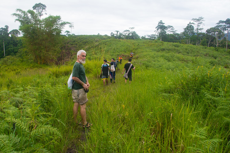 On a hike to another village with Jesuit Father Pedro Walpole of Bendum Village in Bukidnon, Mindanao, Philippines, June 2017. [Bendum 2017-06 044 Bukidnon-Philippines]