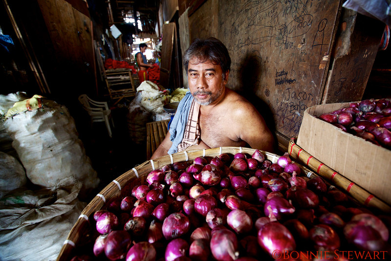 Onion merchant in the Carbon Market in Cebu