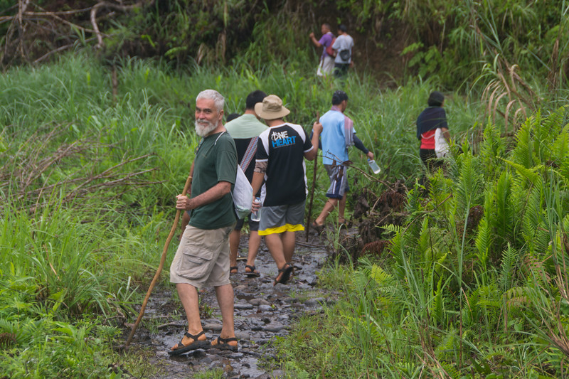 On a hike to another village with Jesuit Father Pedro Walpole of Bendum Village in Bukidnon, Mindanao, Philippines, June 2017. [Bendum 2017-06 022 Bukidnon-Philippines]