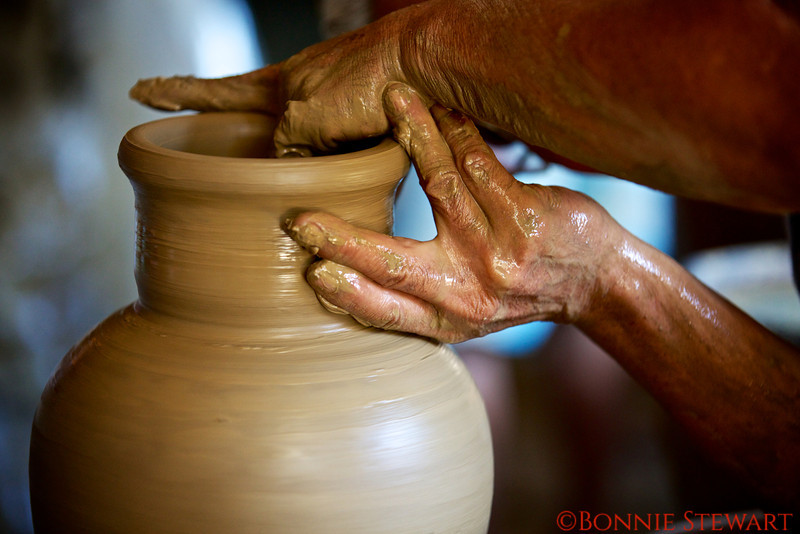 Potter artisan at work in Vigan