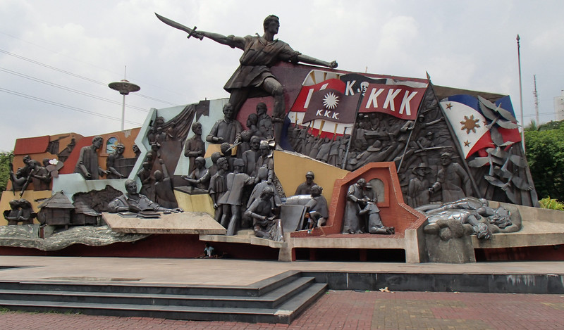 Manilla, Statue