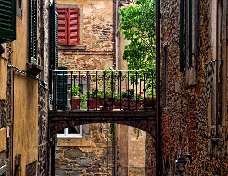 Bridge between Buildings, Cortona, Tuscany