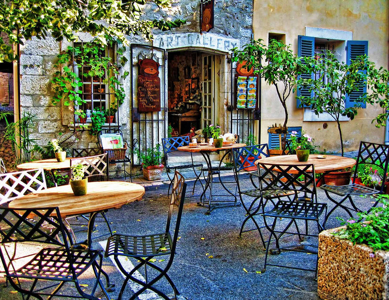 Restaurant and gallery, Provence