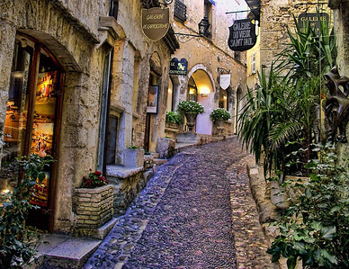 Steet on hill, St. Paul de Vence, Provence