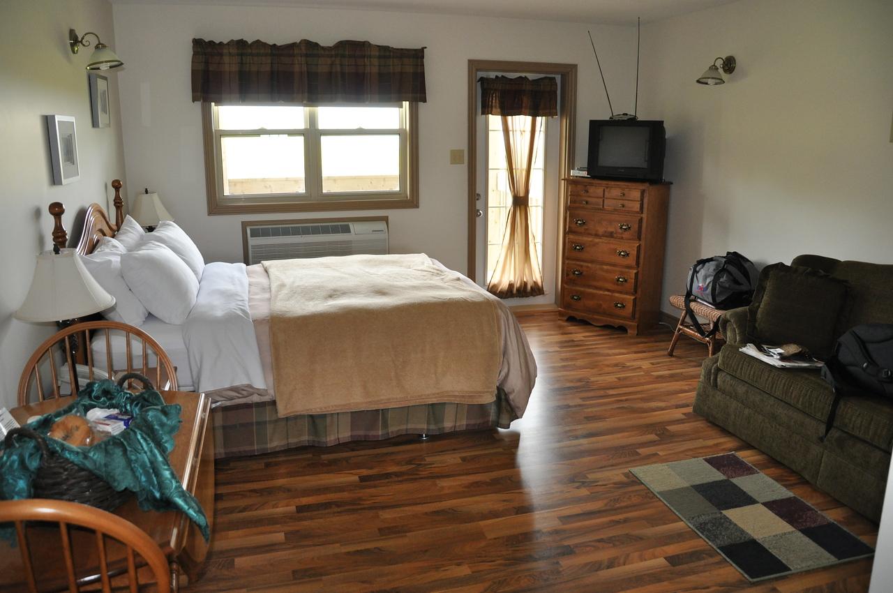 Stonehame Lodge room
