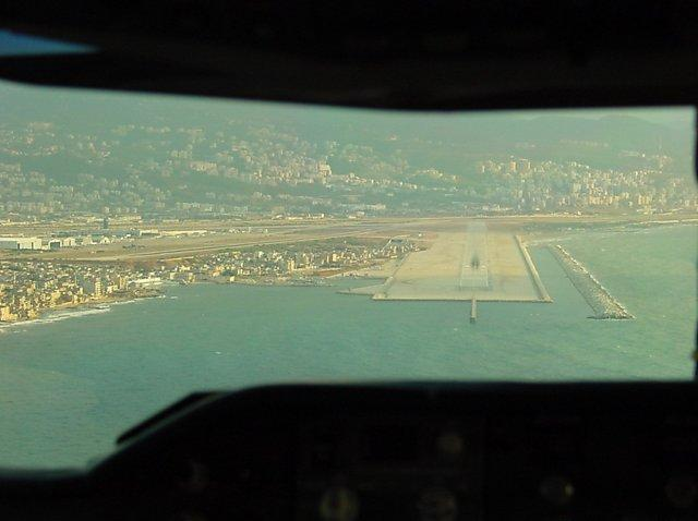 lebanon_beirut_020_airport_uponapproach