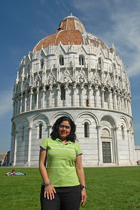 Priya at the leaning tower of Pisa, Italy.