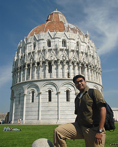 Piyush at the leaning tower of Pisa, Italy.