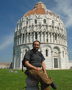 Suchit at the leaning tower of Pisa, Italy.