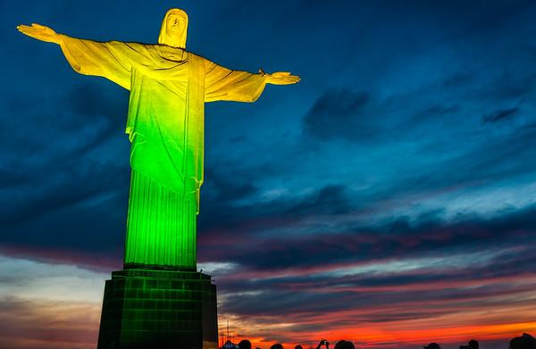 Cristo Redentor de Verde Amarelo