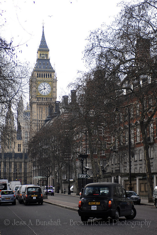 Big Ben clock tower, Houses of Parliament, Palace of Westminster, and London taxis, London, England, United Kingdom
