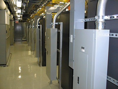 Pihanna data center - Los Angeles, CA - Aug 28, 2002
