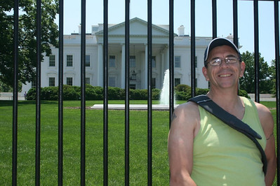 A day in Washington, DC - Joe in front of the White House - May 17, 2008