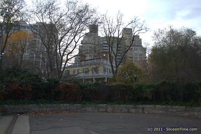 Walk to Gracie Mansion