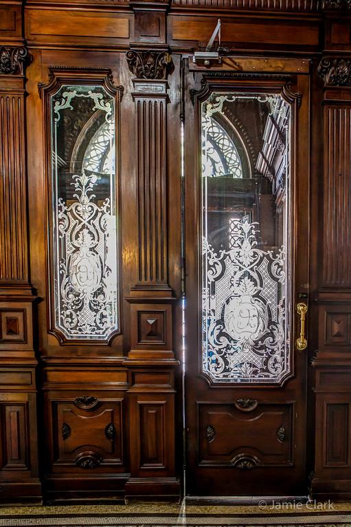 Doors inside the Ministry of Culture, Plaza Myo