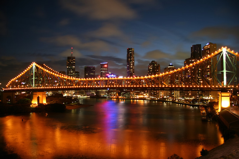 Night shot of Storey Bridge with Brisbane CBD