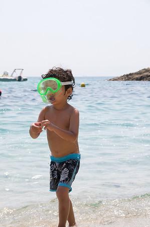 Jaden loving his new snorkelling mask.