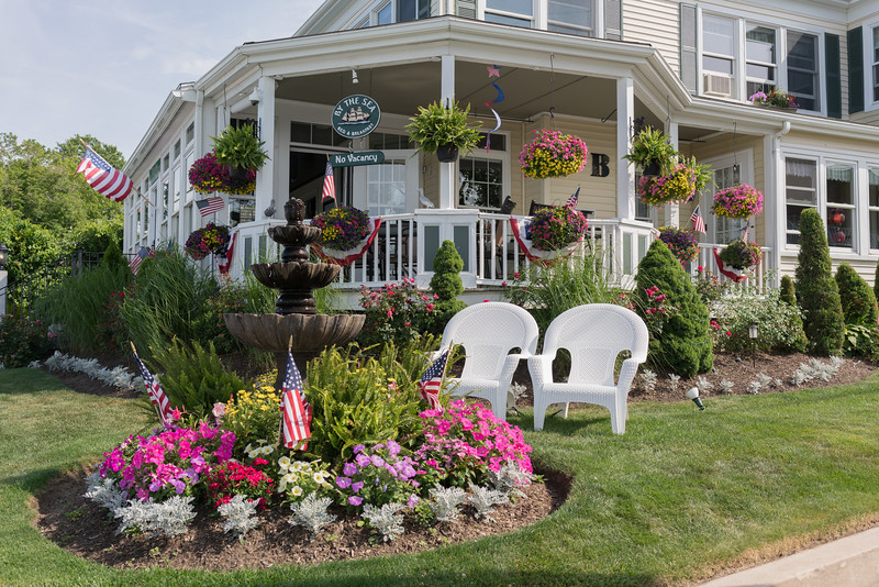 Quaint Plymouth Harbor B & B