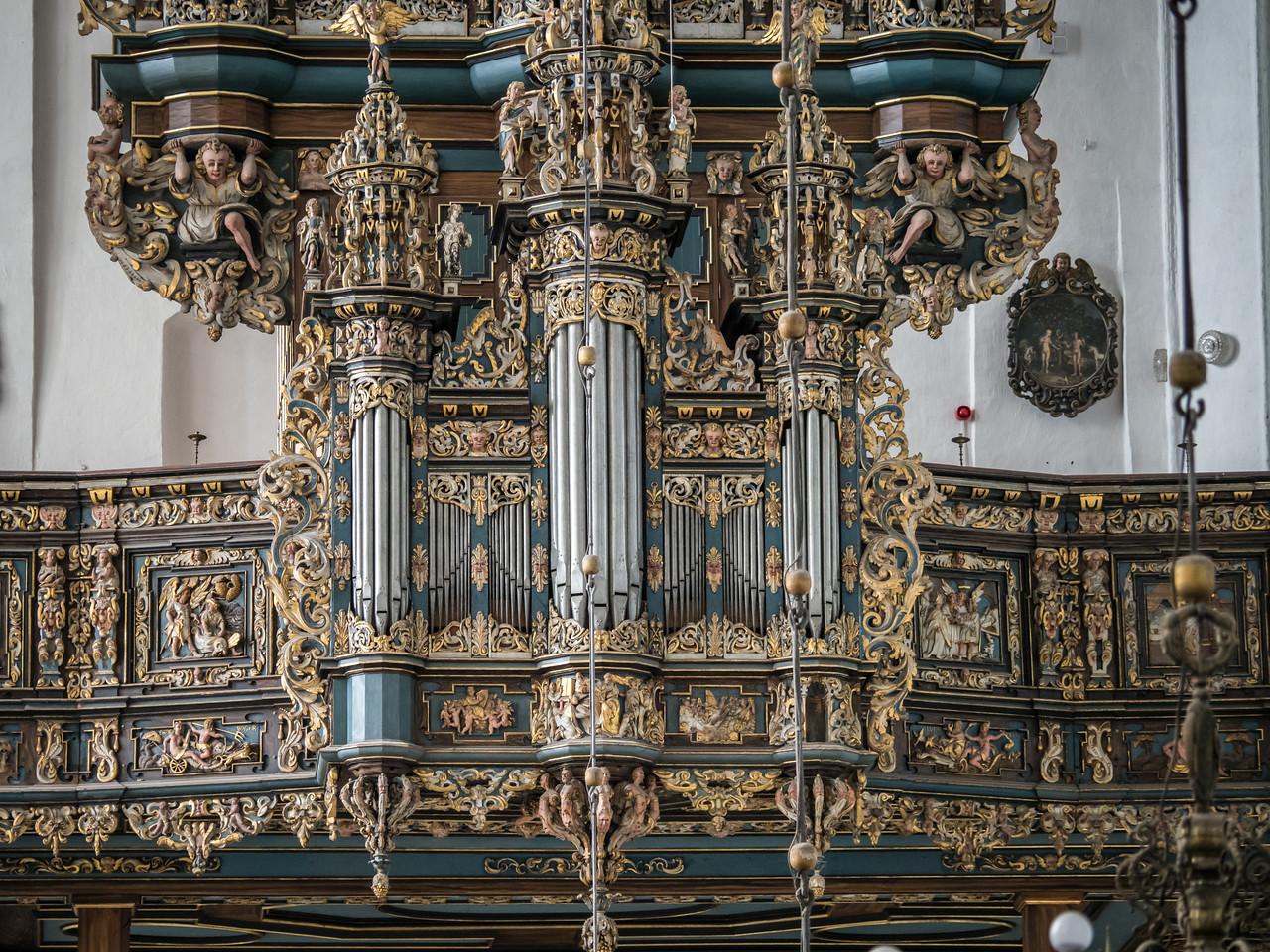 Organ, St Mary's Basilica (1343)