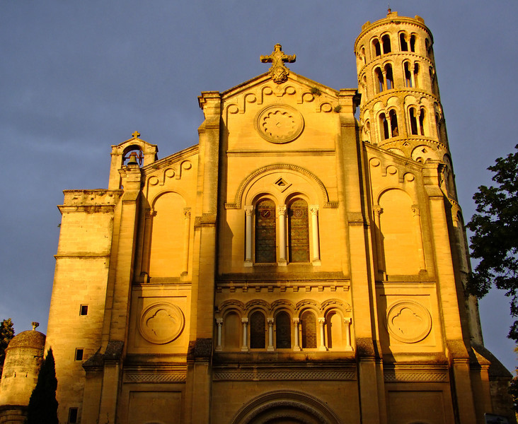 The cathedral in Izes.
