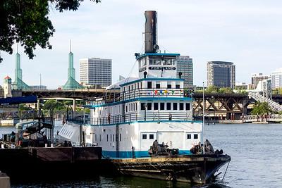 The floating Oregon Maritime Museum