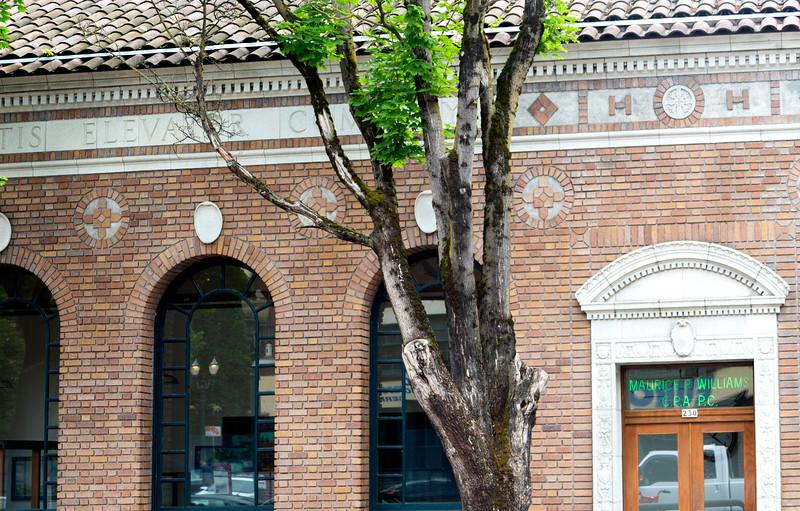 We pass the 1920 Portland Otis Elevator headquarters.