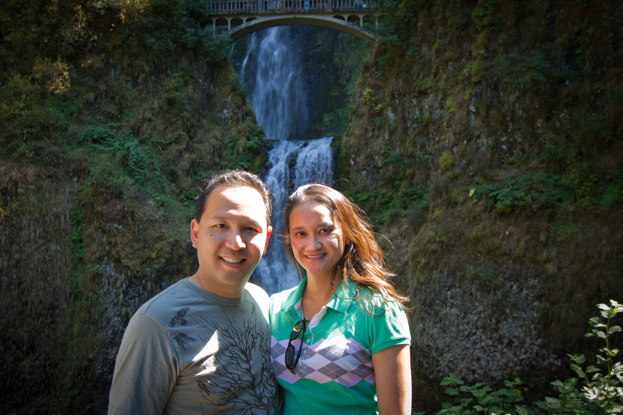 Vu and Catherine at Multnomah Falls