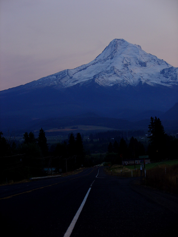 SR.35 leading to Mt.Hood