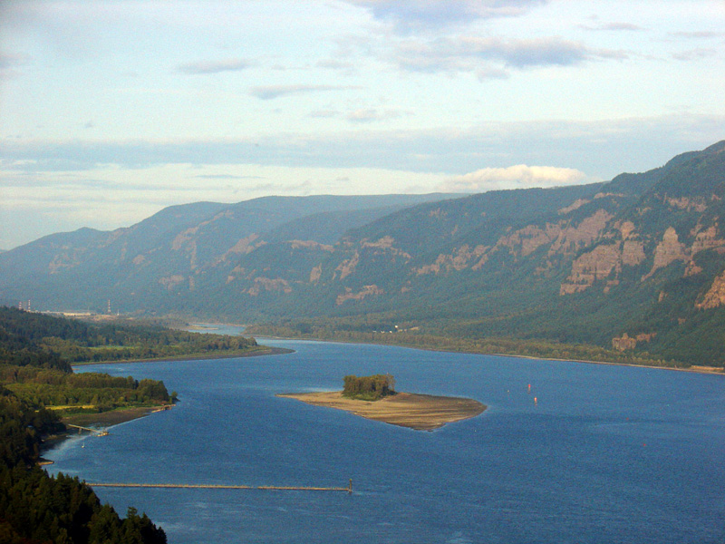 Plenty of small islands abound in Columbia River