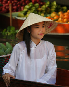 Vietnamese Girl at Bangkok Floating Market