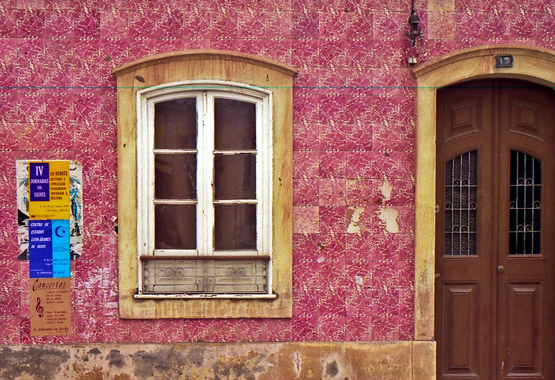 Tiled house in Silves.