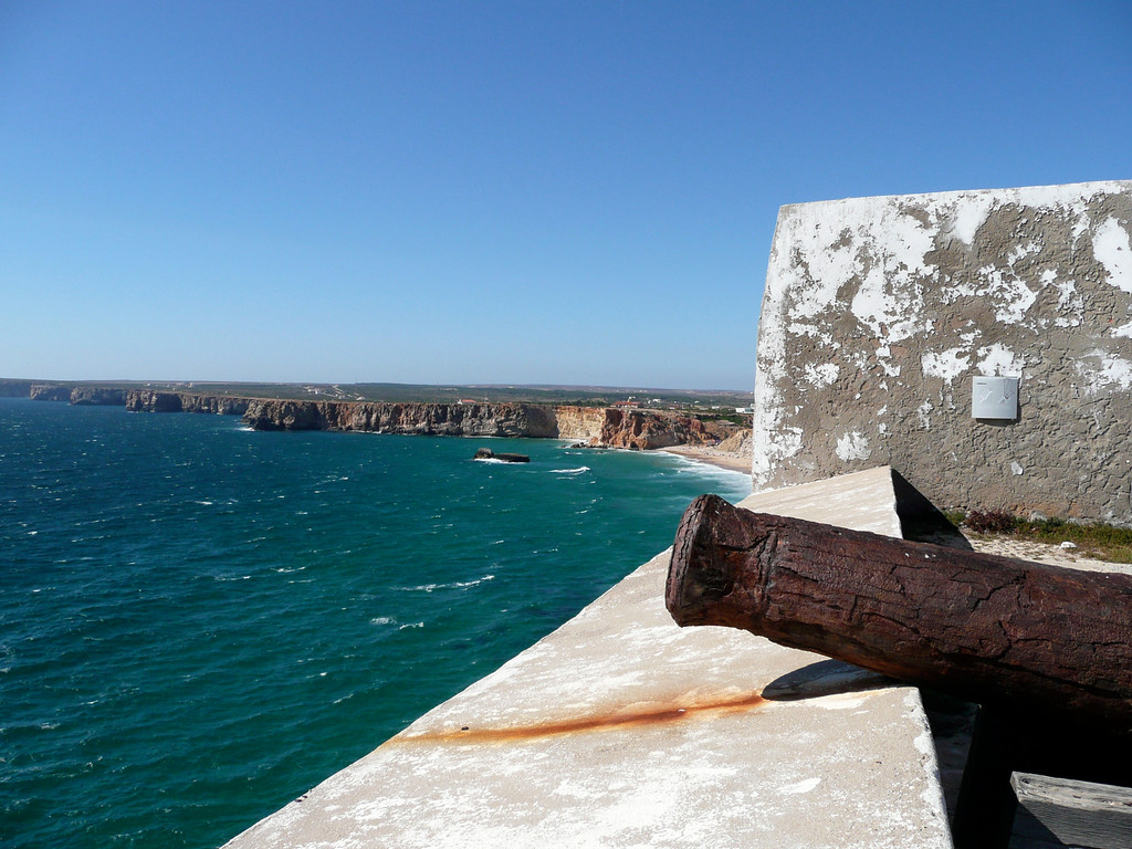 The canons on this side of the fort are really damaged from the wind.