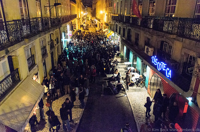 This is where young people go to party in Lisbon.......