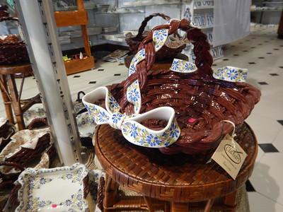 porcelain basket and bow