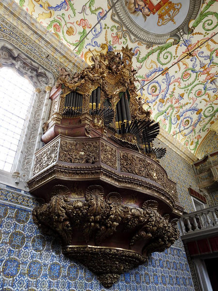 ...and its really ornate organ (note the angels trumpeting off the top).