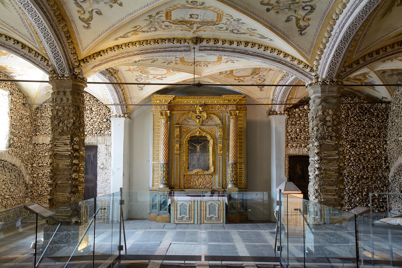 The chapel dates from the 16th century and was intended to remind visitors of the transitory nature of life.