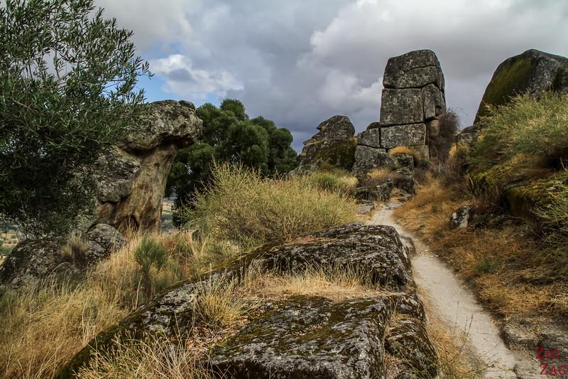 Hike Monsanto POrtugal Village