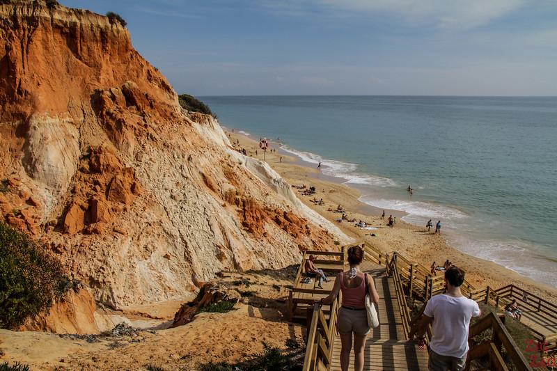 Zentraler Zugang zum Strand von Falesia - Treppen