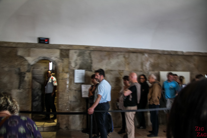 Queueing at Belem Tower 2