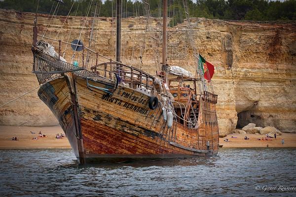 Santa Bernarda - Pirate Ship