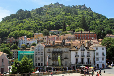 Old Sintra town, with Castelo dos Mouros (remains of 8th century Moorish castle) above.