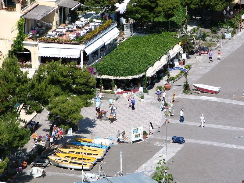 the main square of Positano