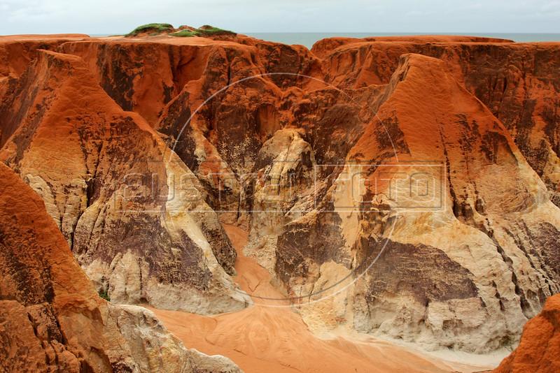 A view of the sand erosion in Morro Branco, in Brazil's northeastern Ceara state.(Australfoto/Douglas Engle)