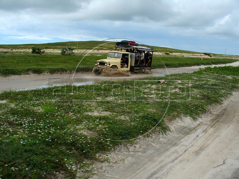 Tourists arrive in Jericoacoara, accessable only by 4x4, in Brazil's northeastern Ceara state.(Australfoto/Douglas Engle)