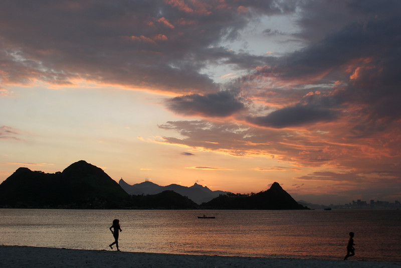 A view of Rio de Janeiro from Niteroi, across the Guanabara Bay from Rio.(Australfoto/Douglas Engle)